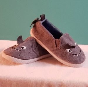 Toddler soft sole shark shoes, size 5